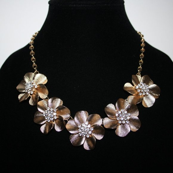 "Stunning gold and cz flower bib necklace 18"""